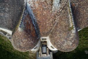 Les toits du Château d'Harcourt vue du ciel